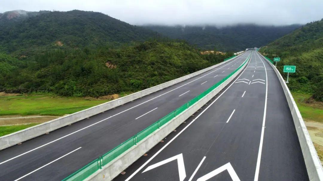 兴汕高速一期通车 陆丰西高速口开通 汕尾市区到梅州可省40分钟 汕尾新闻 第1张